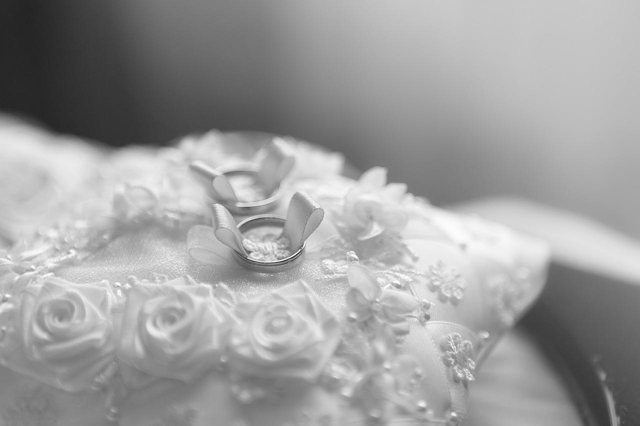 arti mimpi baju pengantin
