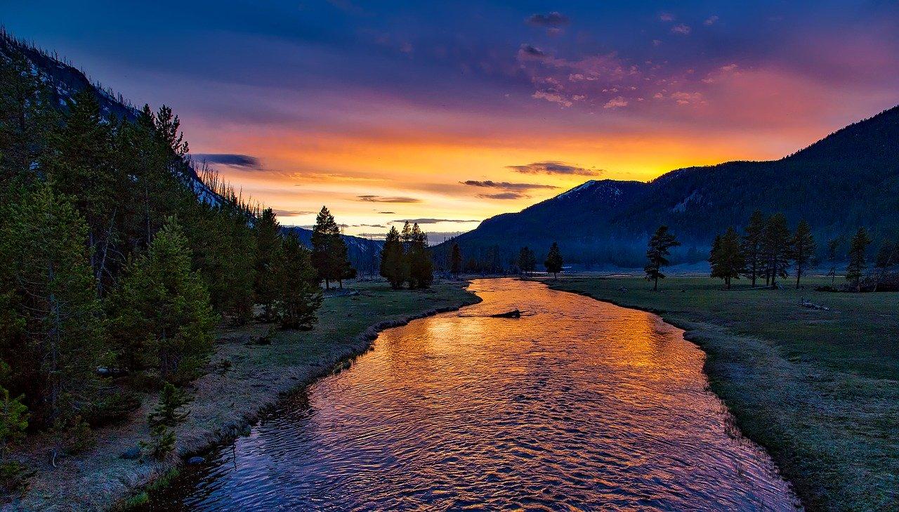 arti mimpi sungai panjang