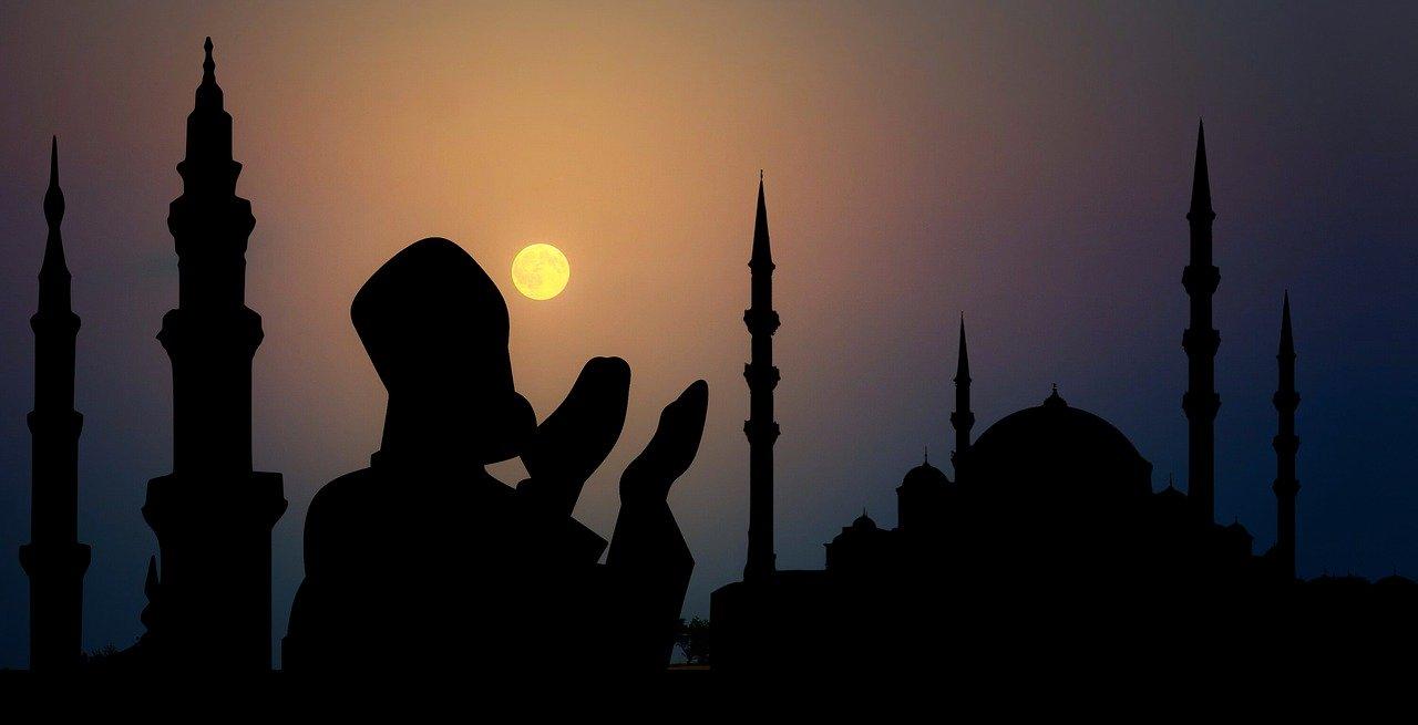 arti mimpi melihat orang banyak di masjid