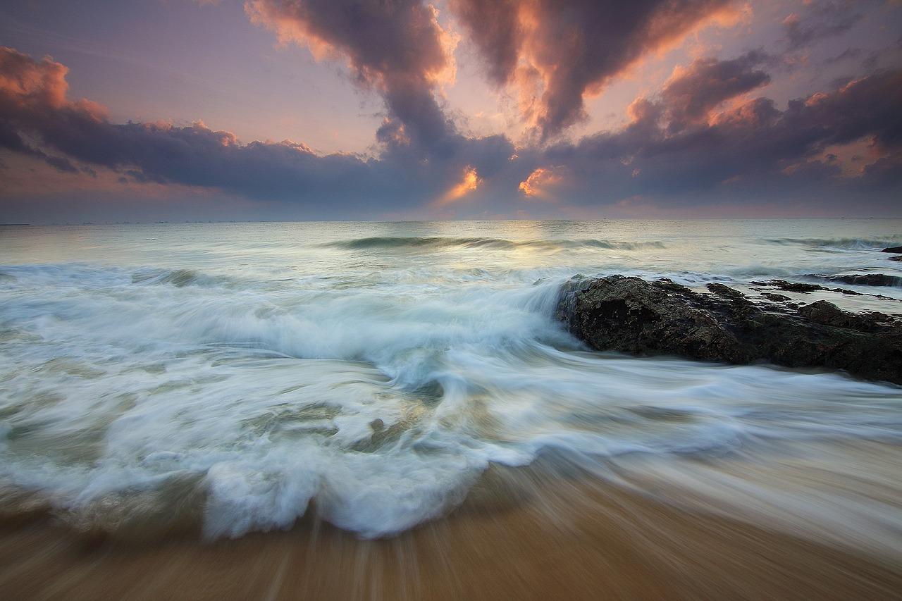 mimpi selamat dari tsunami