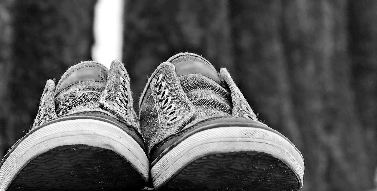 mimpi sepatu kekecilan